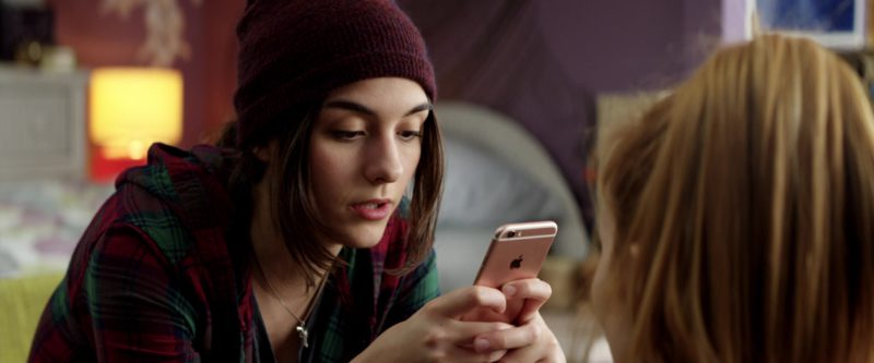 Apple iPhone Used by Quinn Shephard in Midnight Sun (2018) Movie Product Placement