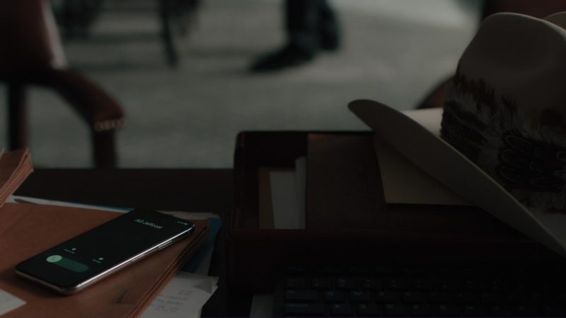 "Apple iPhone X Used by Damian Lewis in Billions: ""Elmsley Count"" (2018) TV Show Product Placement"