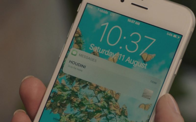 Apple iPhone and T-Mobile Used by Amanda Seyfried in Gringo