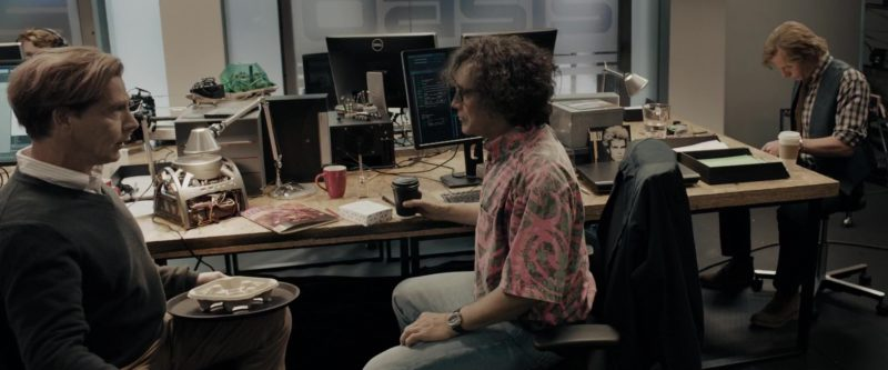 Dell Monitors Used by Mark Rylance (James Donovan Halliday) in Ready Player One (2018) - Movie Product Placement