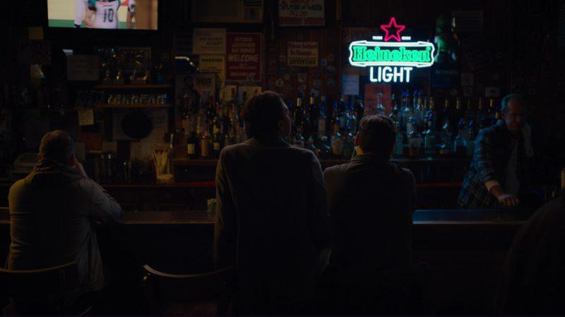 """Heineken Light Beer Sign in Billions: """"Icebreaker"""" (2018) - TV Show Product Placement"""
