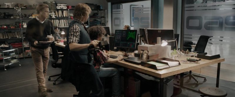 Monitors by Dell in Ready Player One (2018) - Movie Product Placement