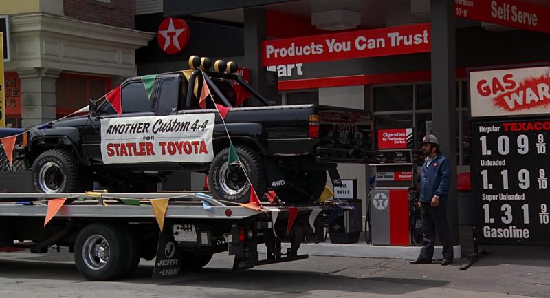 Texaco Gas Station and Toyota SR5 Pickup Truck in Back to the Future (1985) - Movie Product Placement