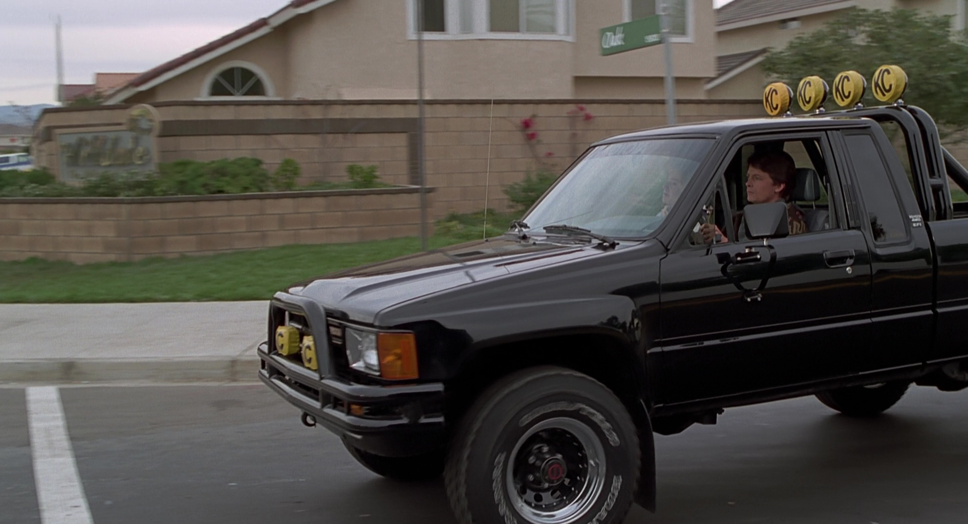 Marty Mcfly Truck >> Toyota Sr5 Pickup Truck Used By Michael J Fox Marty Mcfly