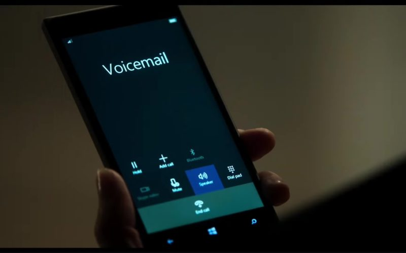 Windows Phone Used by Emma Thompson in The Children Act (1)