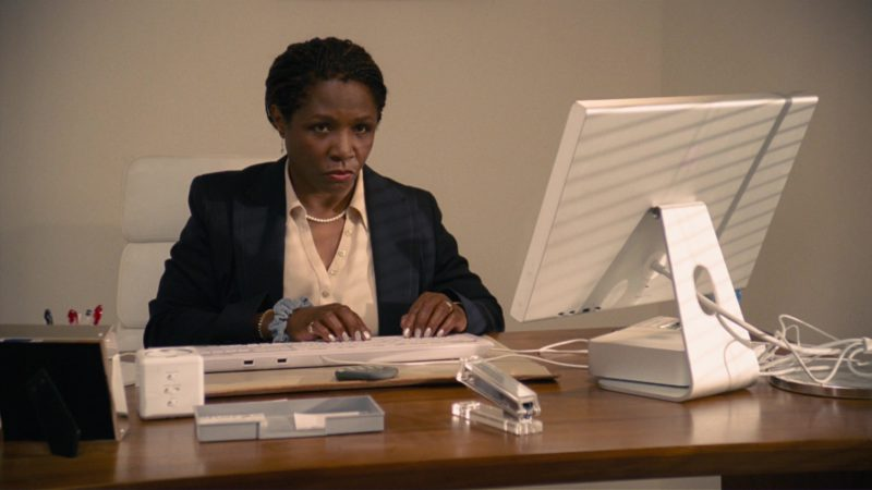Apple Monitor and Mac Mini in How to Lose Friends & Alienate People (2008) Movie Product Placement