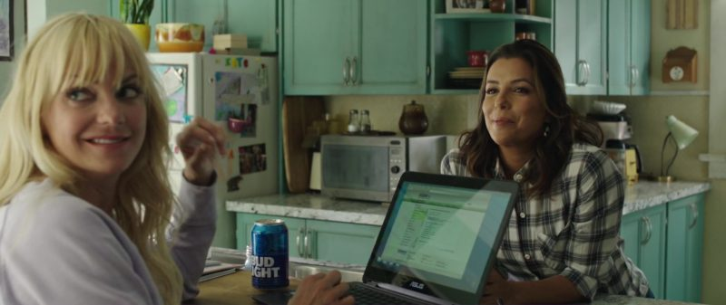 Asus Notebook Used by Anna Faris and Bud Light Beer in Overboard (2018) - Movie Product Placement