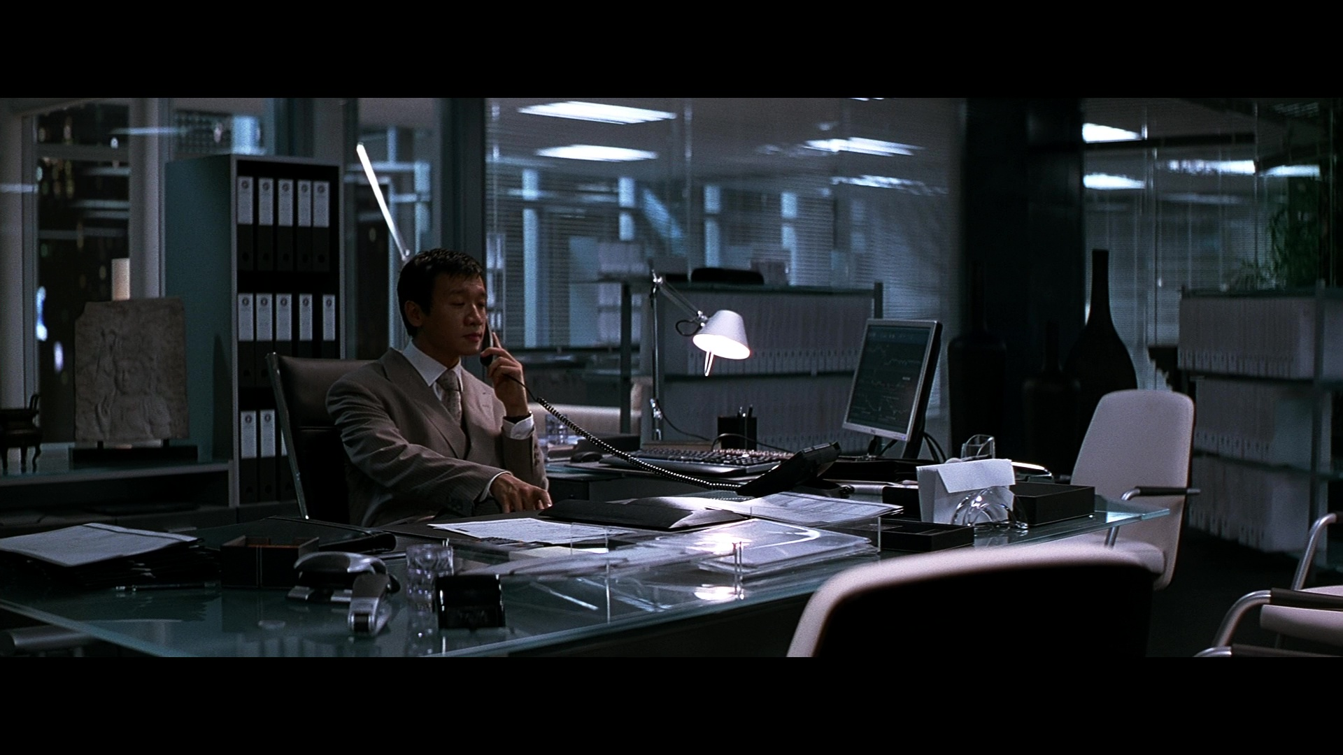 Dell Monitor Used By Ng Chin Han In The Dark Knight 2008