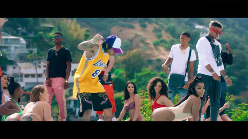 """Gucci Shorts For Men in """"Taste"""" by Tyga ft. Offset (2018) Official Music Video Product Placement"""