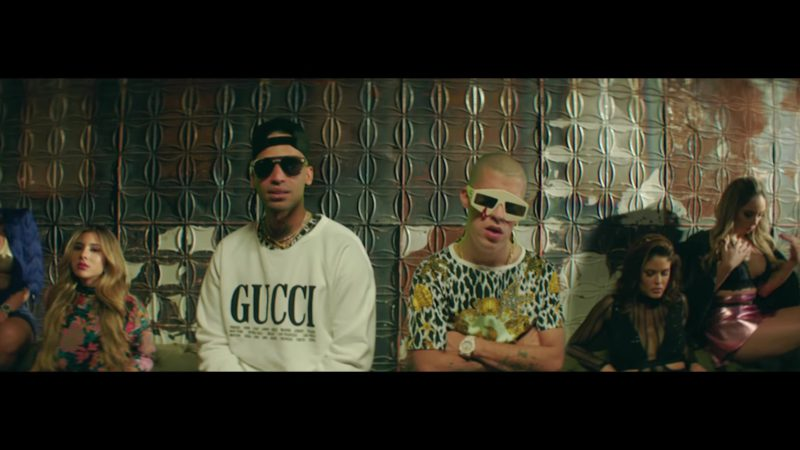 Gucci White Sweatshirt Worn by Arcangel in Original (2018) ft. Bad Bunny Latin Music Video Product Placement