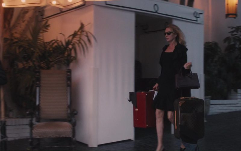 Louis Vuitton Luxurious Rolling Luggage Used by Uma Thurman in The Con Is On (2)