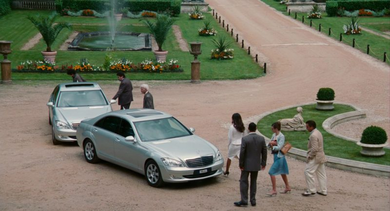 Mercedes-Benz S-Class Cars in The Pink Panther 2 (2009) - Movie Product Placement