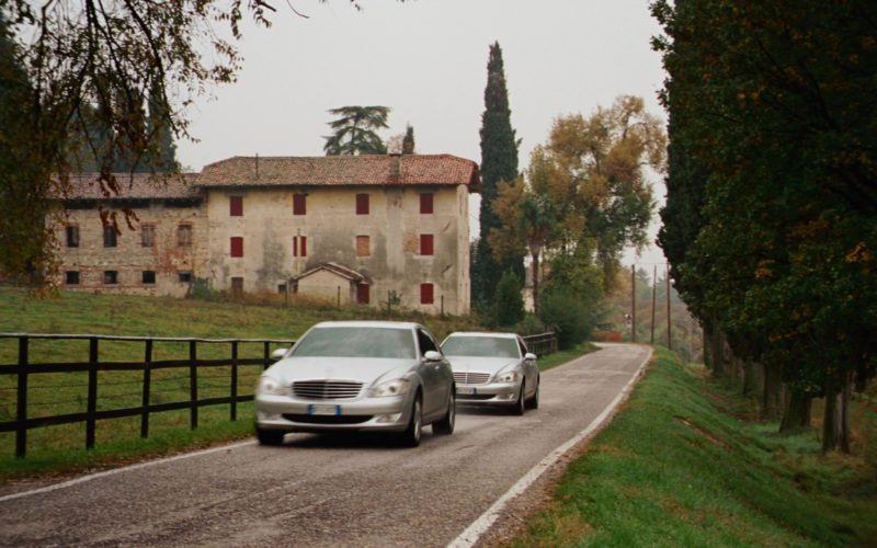 Mercedes-Benz S-Class Cars in The Pink Panther 2 (2)
