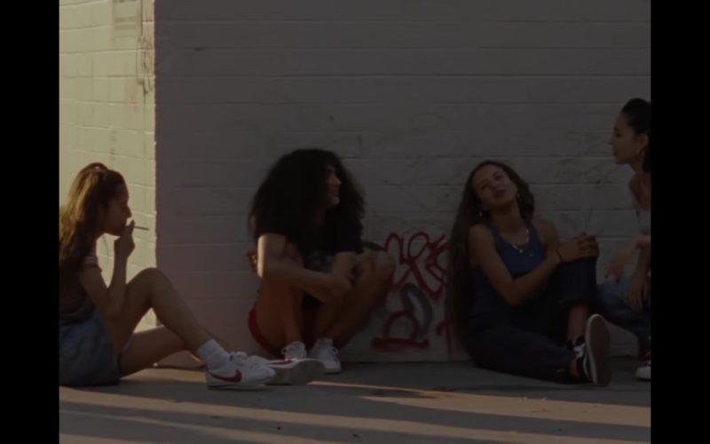 Nike Girls Sneakers in Mid90s (1)