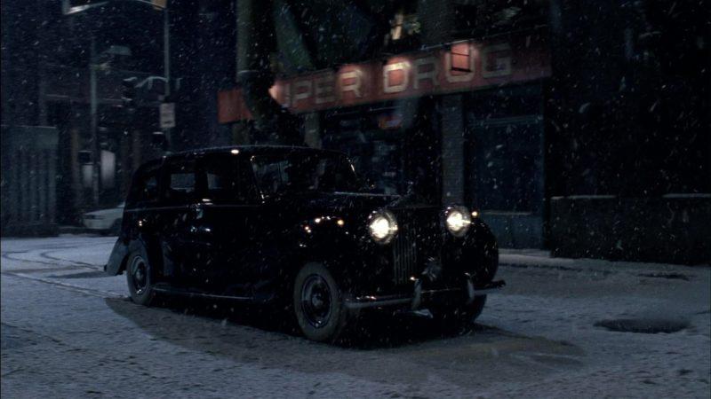 Rolls-Royce Silver Wraith Retro Car in Batman Returns (1992) - Movie Product Placement