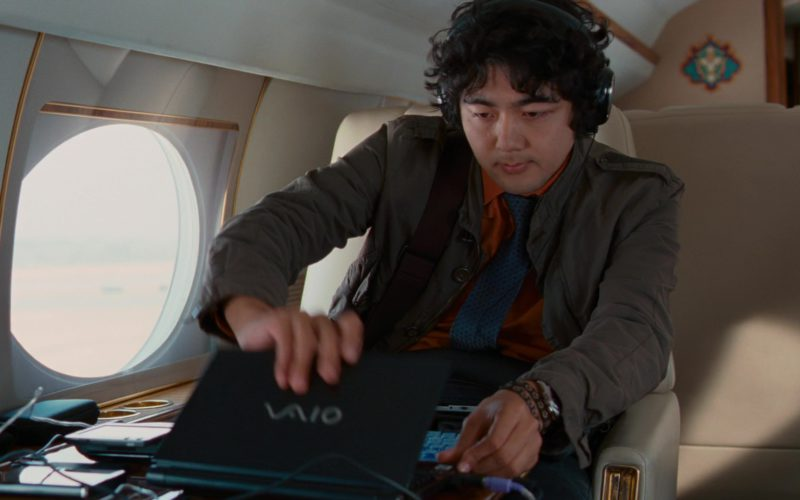 Sony Laptop (Vaio) Used by Yuki Matsuzaki in The Pink Panther 2 (1)