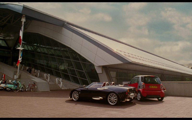 Spyker C8 Spyder Car in The Pink Panther (1)