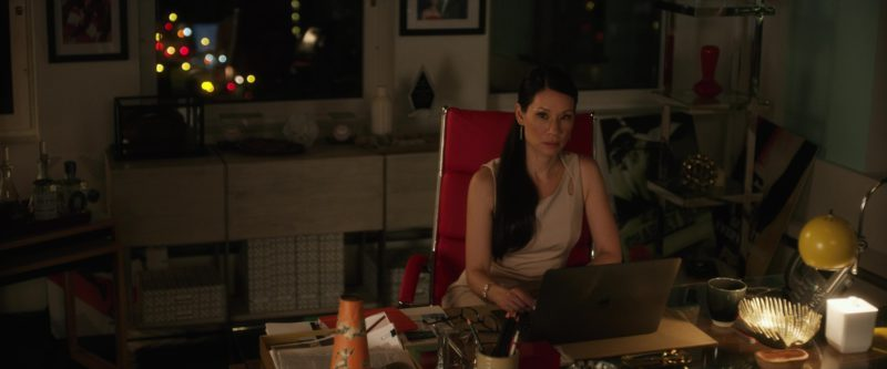 Apple MacBook Laptop Used by Lucy Liu in Set It Up (2018) - Movie Product Placement