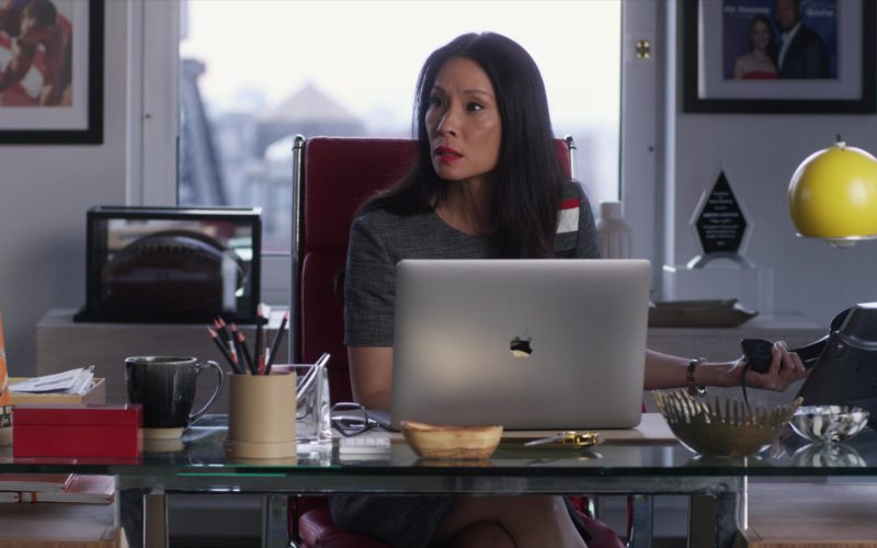 Apple MacBook Laptop Used by Lucy Liu in Set It Up (5)