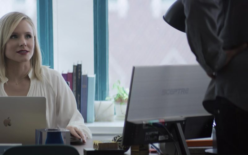 Apple MacBook Laptop and Sceptre Monitor Used by Kristen Bell in Like Father (1)