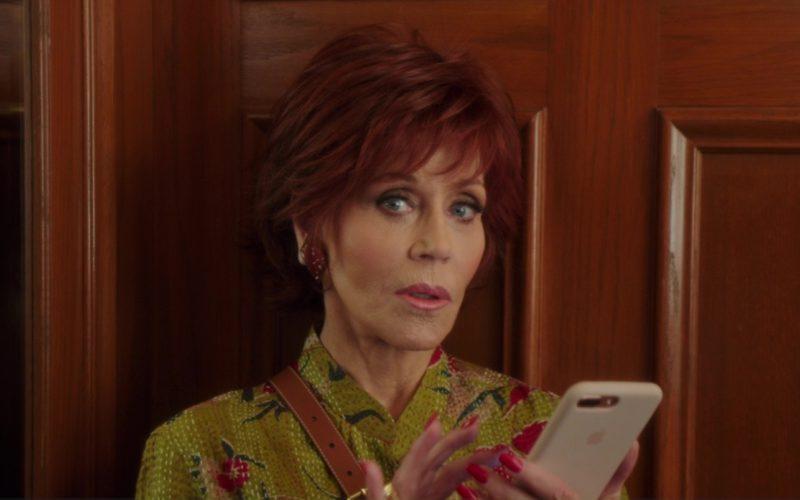 Apple iPhone Smartphone Used by Jane Fonda in Book Club (1)