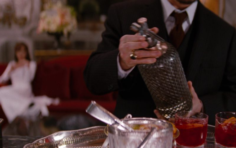 Campari Liqueur Drunk by Angelina Jolie and Johnny Depp in The Tourist (1)