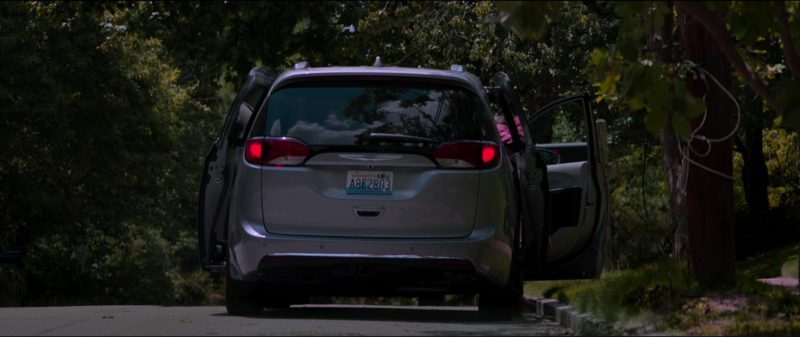 Chrysler Pacifica Family Minivan in Tag (2018) Movie Product Placement