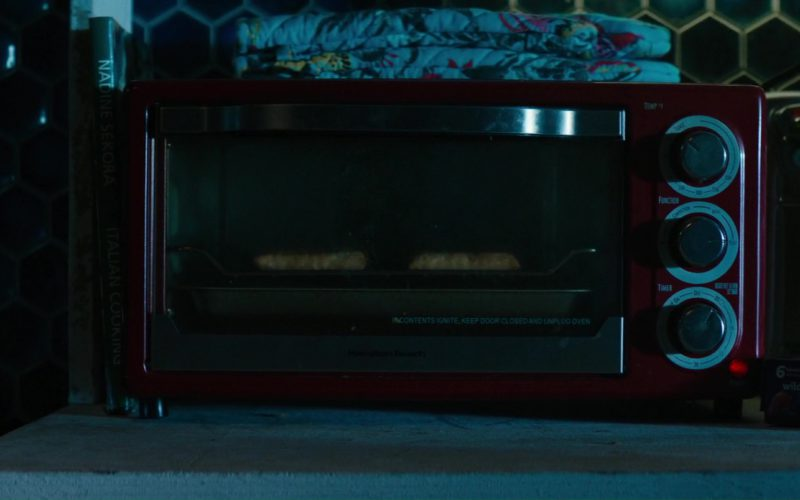 Hamilton Beach Microwave Oven Used by Ryan Reynolds and Pillsbury Raspberry Toaster Strudel in Deadpool 2