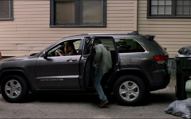 Jeep Grand Cherokee SUV Driven by Isla Fisher in Tag (3)