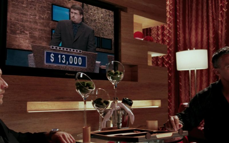 Pioneer TV in Mr. & Mrs. Smith (1)