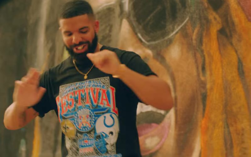 """Pro Football Hall of Fame Festival T-Shirt Worn by Drake in """"In My Feelings"""" (2)"""