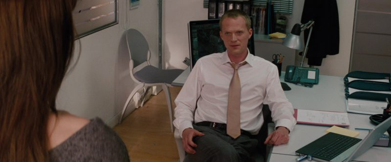 Sony Laptop and Vaio All-In-One Desktop Computer Used by Paul Bettany in The Tourist (2010) - Movie Product Placement