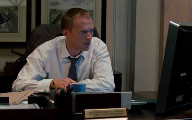 Sony Vaio All-In-One Desktop Computer Used by Paul Bettany in The Tourist (6)