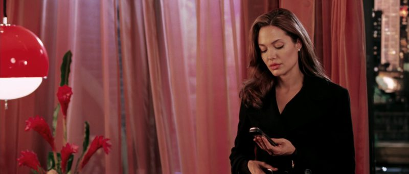 Vertu Phone Used by Angelina Jolie in Mr. & Mrs. Smith (2005) - Movie Product Placement