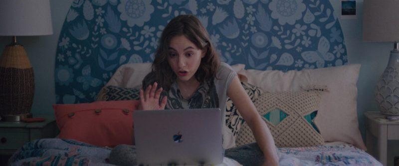 Apple MacBook Laptop Used by Madeline Weinstein (Claire) in Alex Strangelove (2018) Movie