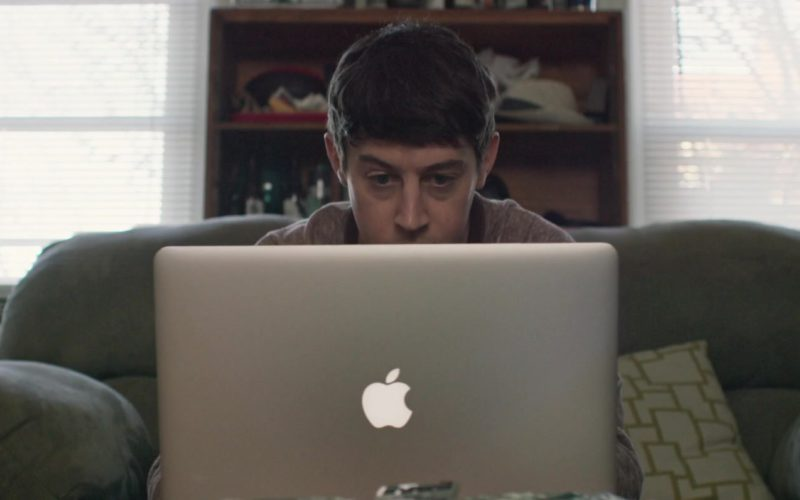 Apple MacBook Pro 15′ inch Laptop Used by Alex Sharp in UFO (3)