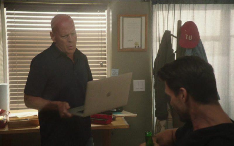 Apple MacBook Used by Bruce Willis in Reprisal (1)