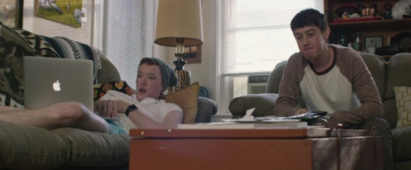 Apple Watch and MacBook Laptop in UFO (2018) - Movie Product Placement