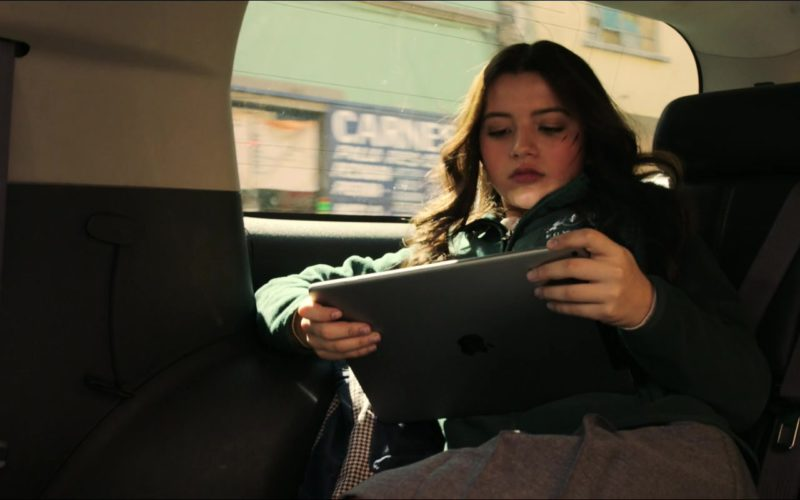 Apple iPad Tablet Used by Isabela Moner in Sicario Day of the Soldado (1)