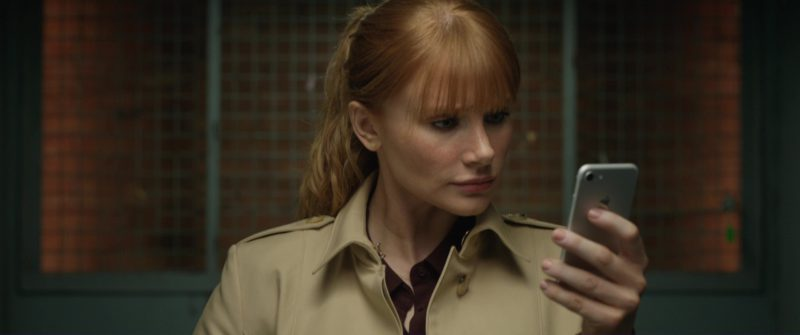 Apple iPhone Smartphone Used by Bryce Dallas Howard in Jurassic World: Fallen Kingdom (2018) Movie Product Placement