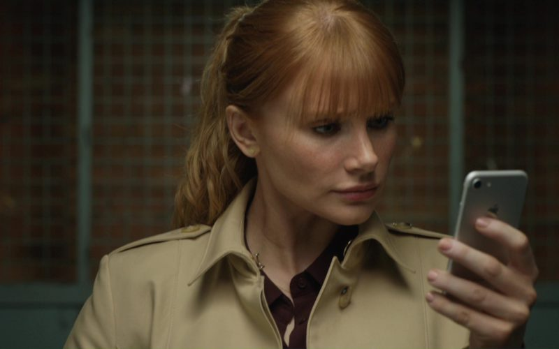 Apple iPhone Smartphone Used by Bryce Dallas Howard in Jurassic World Fallen Kingdom (1)