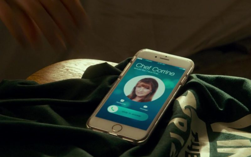 Apple iPhone Smartphone Used by Emma Roberts in Little Italy (1)