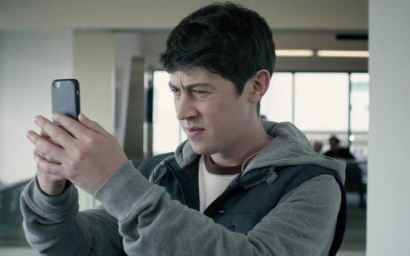 Apple iPhone Used by Alex Sharp in UFO (4)