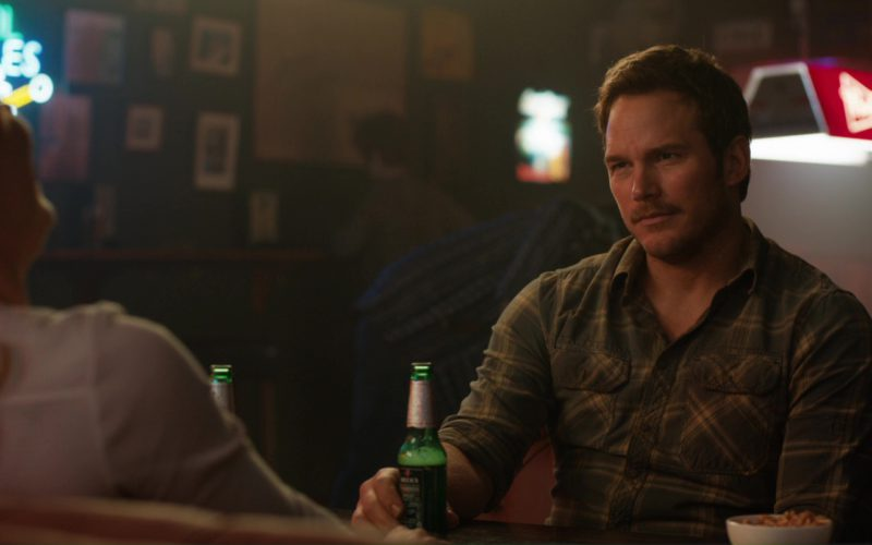 Beck's Beer Drunk by Chris Pratt in Jurassic World Fallen Kingdom (1)