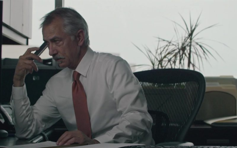 Dell Monitor Used by David Strathairn in UFO (1)