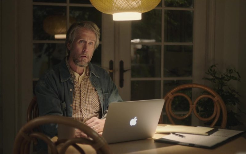 Apple MacBook Pro Laptop Used by Alan Ruck in Sierra Burgess Is a Loser (5)