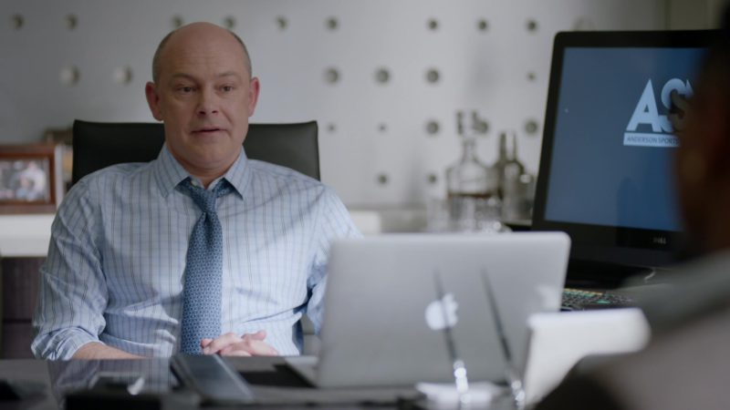 "Apple MacBook Pro Laptop Used by Rob Corddry in Ballers: Season 2, Episode 2, ""Enter the Temple"" (2016) TV Show Product Placement"