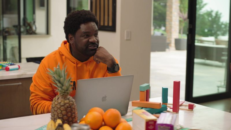 "Apple MacBook Pro Laptop in Ballers: Season 4, Episode 4, ""Forgiving Is Living"" (2018) TV Show Product Placement"