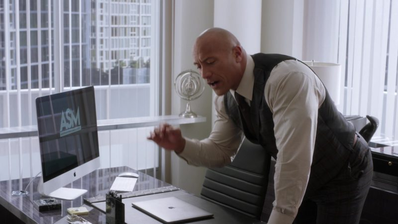 "Apple iMac And MacBook Pro Notebook Used by Dwayne Johnson in Ballers: Season 3, Episode 5, ""Make Believe"" (2017) TV Show Product Placement"