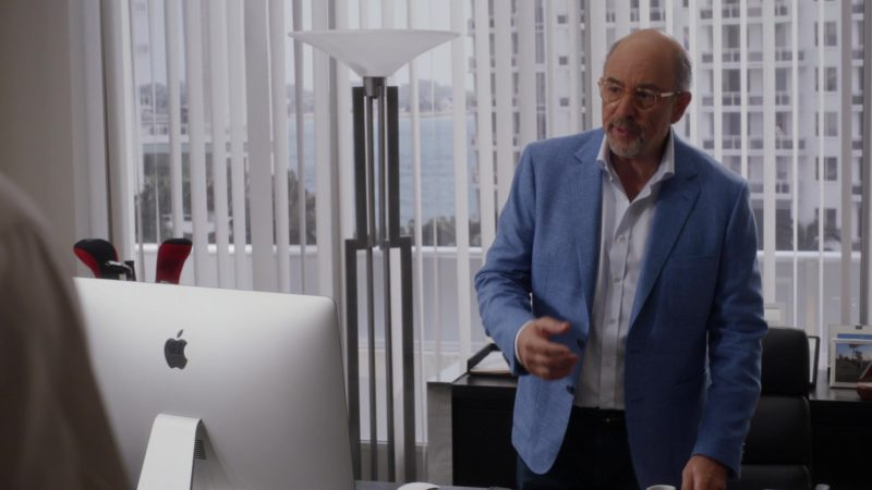 "Apple iMac Computer in Ballers: Season 3, Episode 5, ""Make Believe"" (2017) TV Show Product Placement"